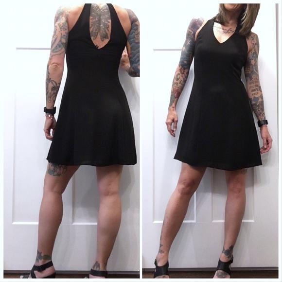 Laundry By Shelli Segal Dresses & Skirts - LAUNDRY by Shelli Segal - Black Mini Dress 💛💛